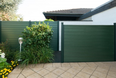 Privacy shields & noise prevention fences-